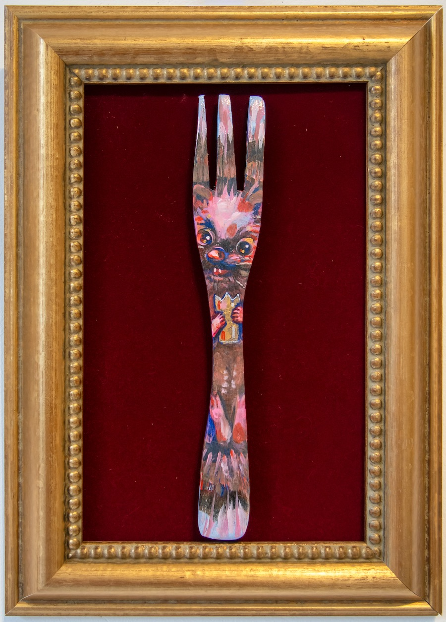 Elli Maanpää: Spiky Power, Acrylic paint on wooden fork and recycled frame, 27x36cm, 2020
